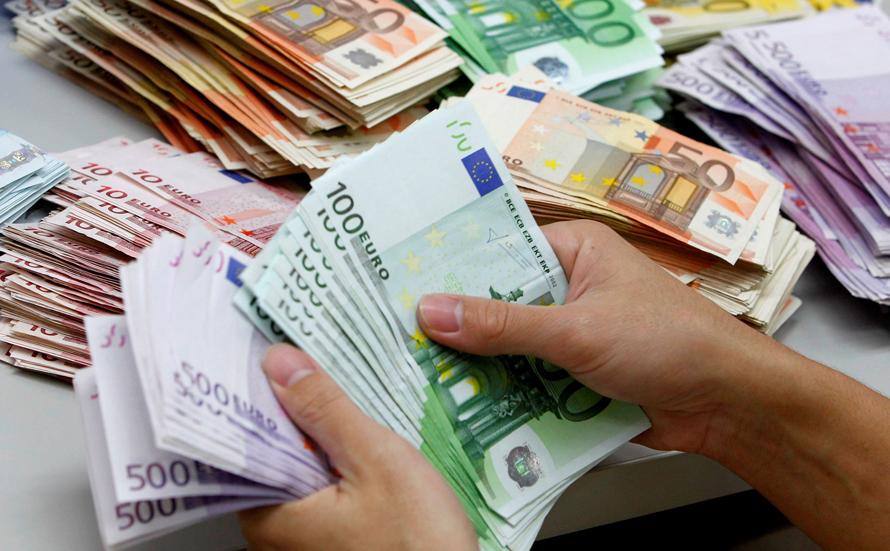 CAMBIANO – Una mozione per salvare i bancomat sul territorio