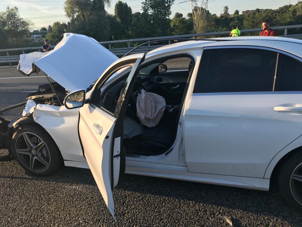 NICHELINO – Grave incidente in tangenziale: quattro feriti e code chilometriche