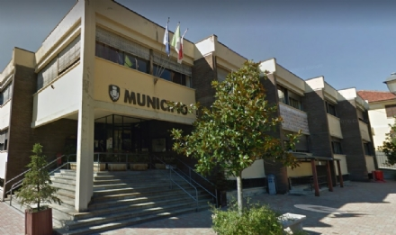 TROFARELLO – Il Comune ordina 150 banchi per gli alunni