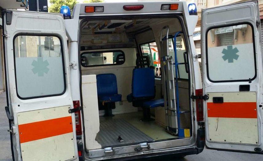 NICHELINO – Scontro tra due veicoli in via Debouché: un ferito e traffico bloccato