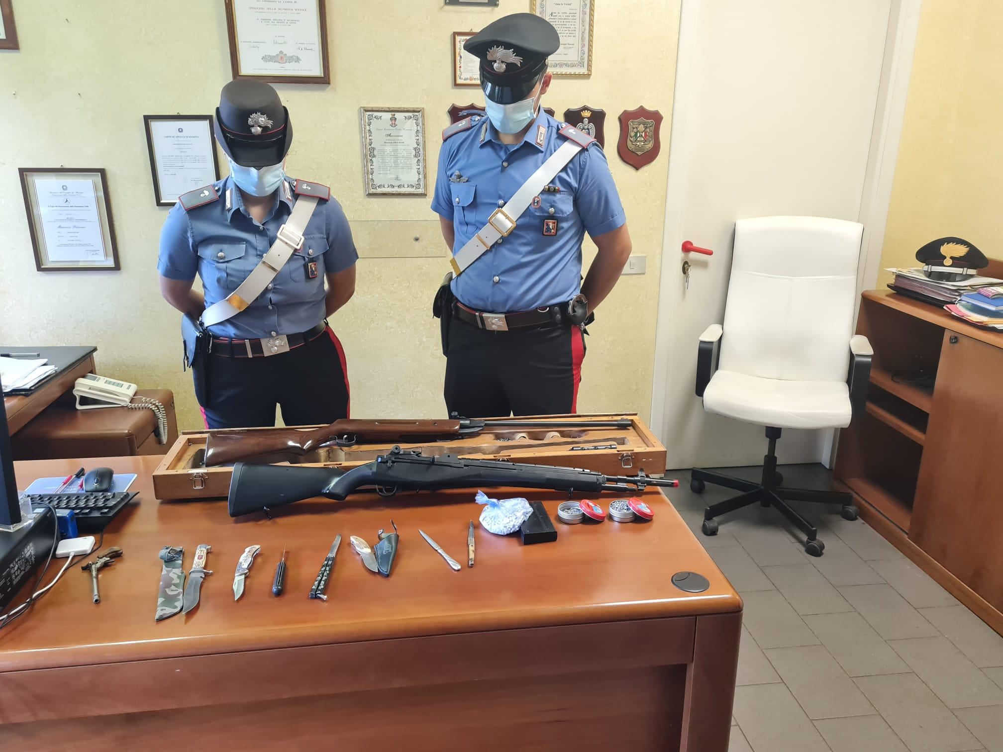 Nichelino, spara al vicino di casa con un fucile ad aria compressa, arrestato dai carabinieri
